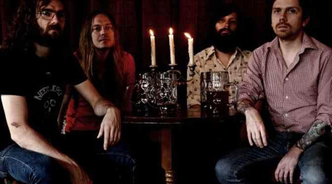 Gentlemans Pistols – Songschreiben gegen Kontrollverlust, andere Therapien und Kunst als Inbegriff der Magie